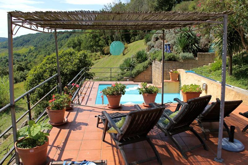 Between Umbria and Toscany, Pool, View, Peace, Relax, casa vacanza a Civita di Bagnoregio