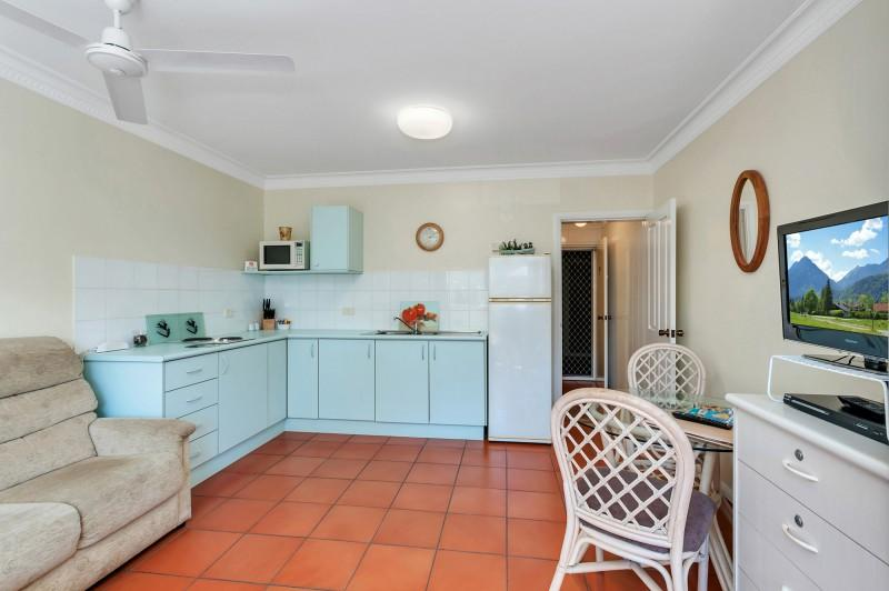 Koala Court -  Studio, holiday rental in Cairns