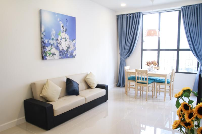 Cozy 1 BR Apartment @ Saigon River, holiday rental in Ho Chi Minh City