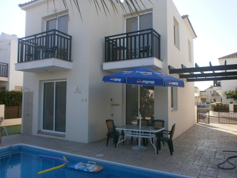 Pluto - 3 bedroom villa, with pool, Pernera, holiday rental in Famagusta District