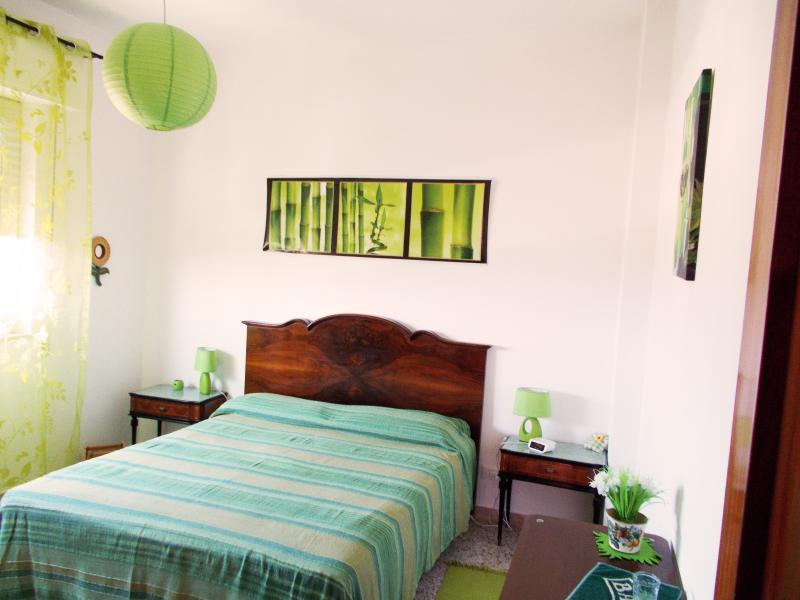 Chambre verte: - vue sur la mer - air conditionné - WI-FI gratuit