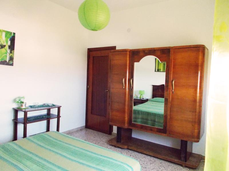Green Room: - sea view - air conditioning - free WI-FI