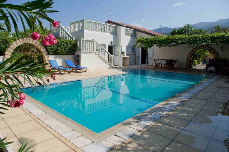 Stunning Villa with private pool and pool area. Sea and mountain views