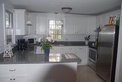 Well Equipped and Clutter Free Kitchen