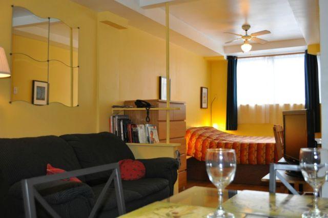 Este estudio es el de Dali, que se encuentra en el primer piso, todavía es tranquilo y lo más cómoda.