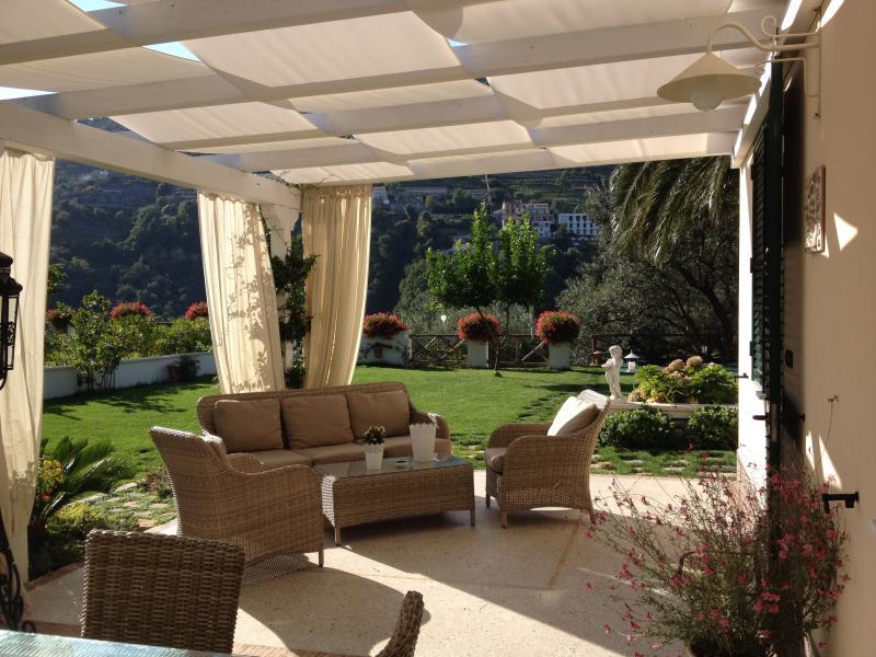 La residEnza 2 - Villa con giardino nel centro storico di Ravello con posto auto – semesterbostad i Ravello