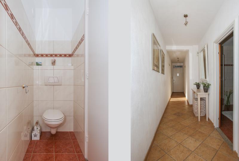 Seperate toilet-Hallway