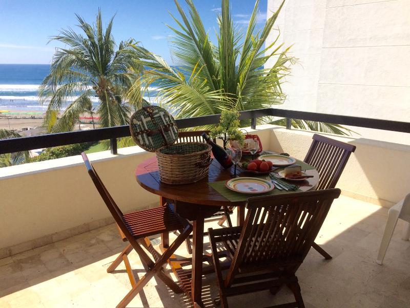 NICE BEACH CONDO DIAMANTE AREA, vacation rental in Acapulco