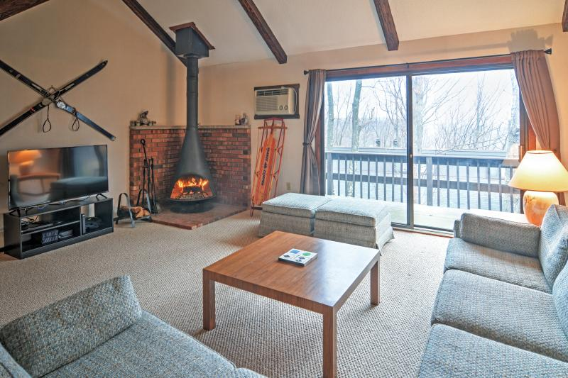 Enjoy immense comfort at this Tannersville vacation rental townhome