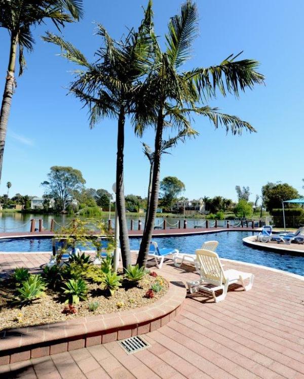Waterfront Apartments: Yarrawonga Waterfront Apartments Has Air Conditioning And