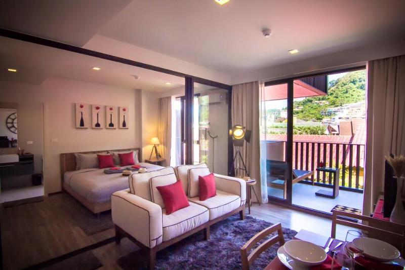 1Bedroom The Deck Condo Patong Phuket, holiday rental in Patong