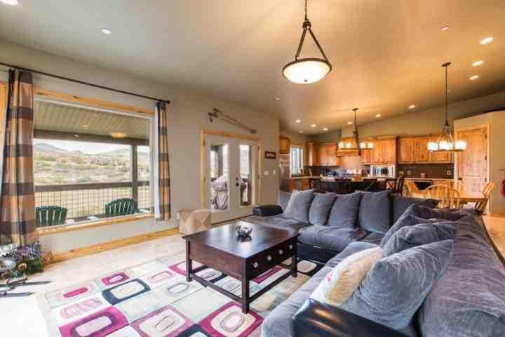 Welcome! This home features 3,200 square feet of luxury mountain living! The main floor is a walk-in and the entire home is tastefully decorated with