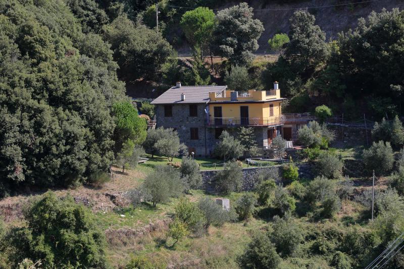 Appartamento in villa Parco Nazionale 5 Terre, holiday rental in Vernazza