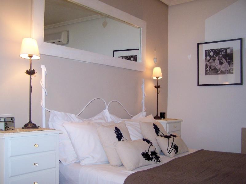...and so to bed, in our stylish master bedroom with en-suite