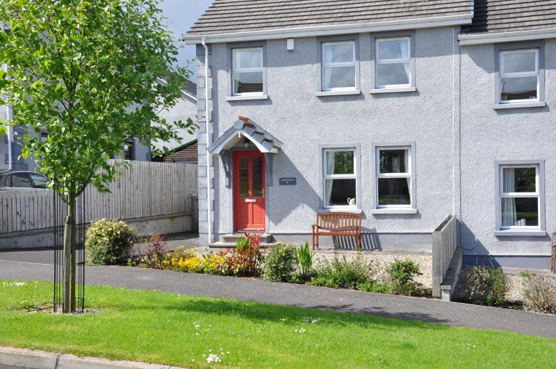 Larchfield, centre of the North Antrim Coast, holiday rental in Dervock