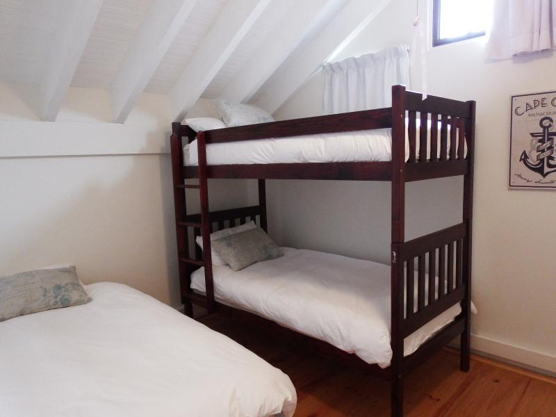 Bedroom 3: 1 x 3/4 bed and bunker bed. Ideal for children or adults.
