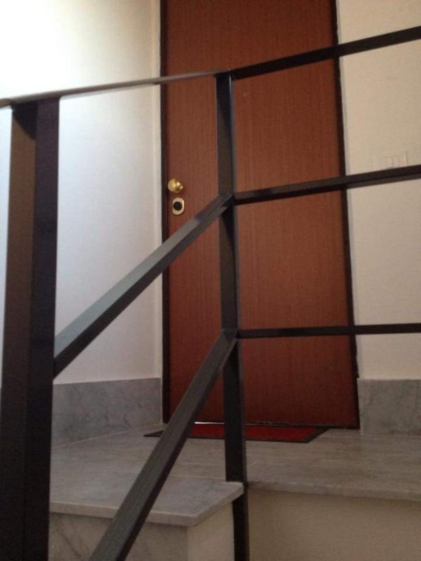Independent entrance of the apartment