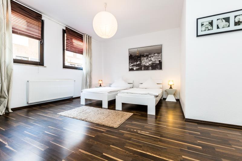 Appartment Köln Mülheim G37, holiday rental in Cologne