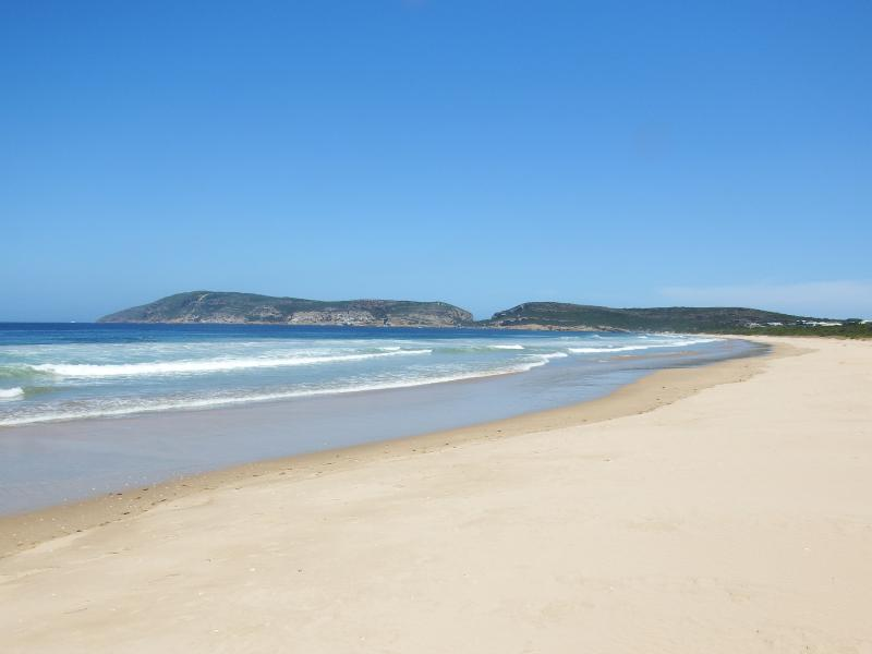 Sanctuary beach is 500m from the house. World famous Robberg with Robberg Beach in the background.