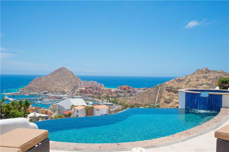 Sweeping Vistas of the Sea of Cortez at Villa Leonetti!, holiday rental in Cabo San Lucas