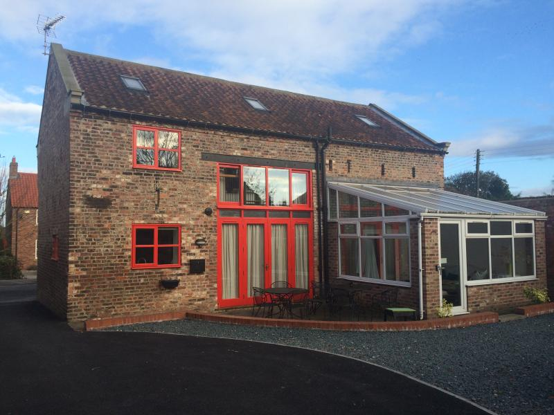 C Farmhouse Accommodation, vacation rental in Tollerton