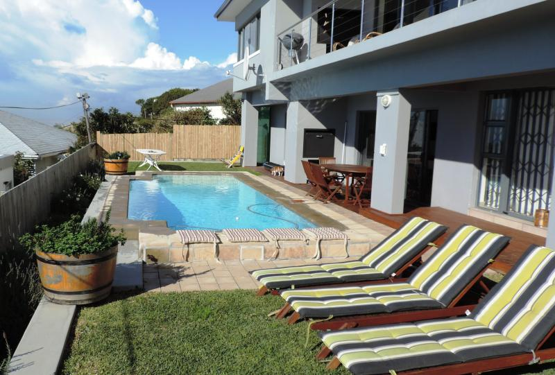 Blue Mountain Bay Two, holiday rental in Simon's Town