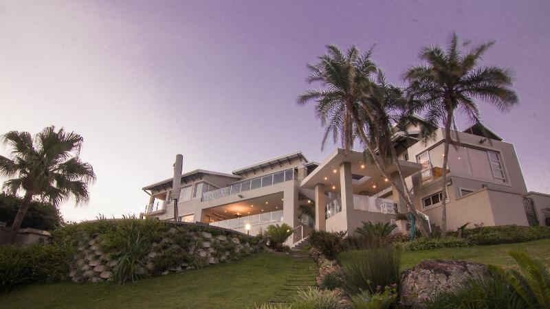 11 on Fairway Luxury Beach Villa, alquiler vacacional en Marina Beach