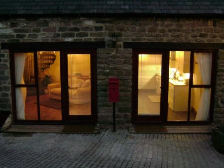 Pillarbox Cottage is a 16th Century Barn conversion., holiday rental in Two Dales