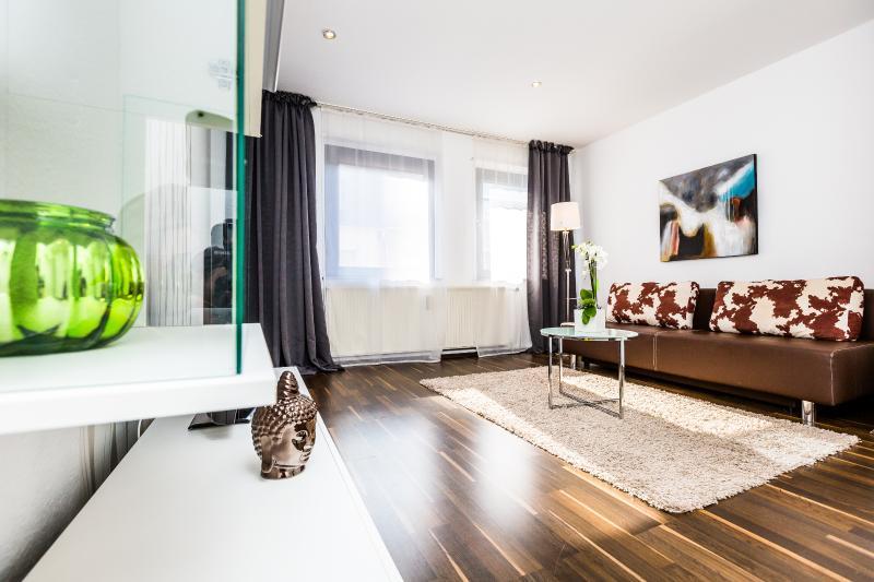 Appartment Köln Mülheim G39, holiday rental in Cologne