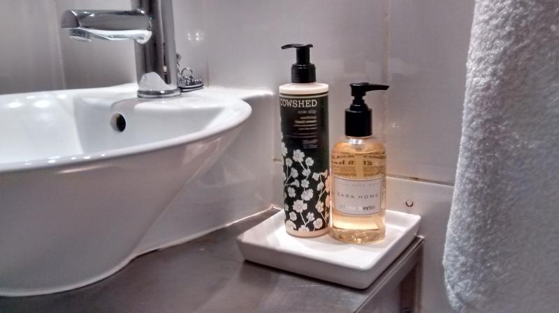 Branded toiletries supplied!
