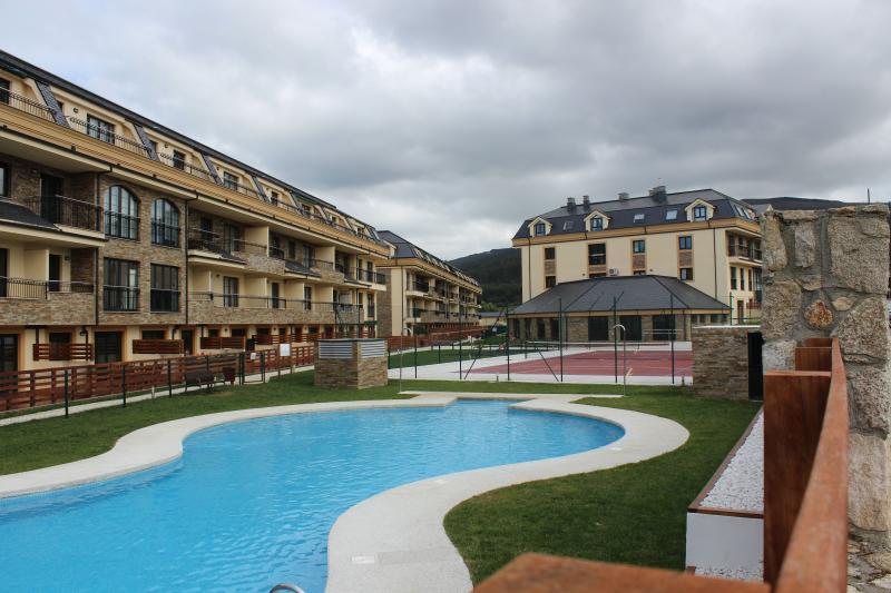 Apartamento Urbanización Costa Reinante Spa, vacation rental in Barreiros