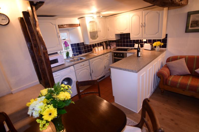Lavender Cottage Evenly Modern Kitchen