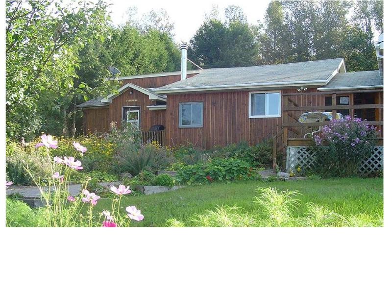 Foymount Farm,  Farm stay, cottage 2,  Ottawa Valley, holiday rental in Eganville
