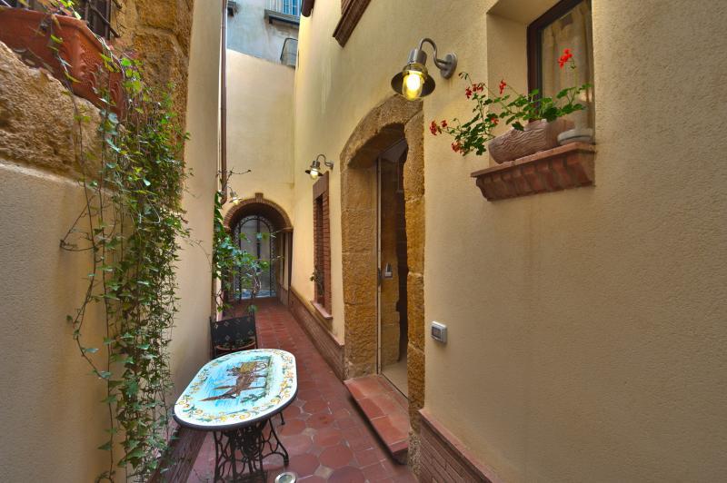 Monolocale Vecchio Baglio cuore centro storico, casa vacanza a Caltagirone
