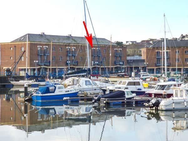 TASCROFT, second floor apartment, balcony, off road parking, in Milton Haven, holiday rental in Herbrandston
