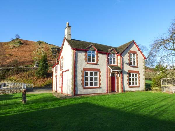 THE FARM HOUSE, pet-friendly house with hot tub, en-suites, BBQ hut, games, location de vacances à Llangollen