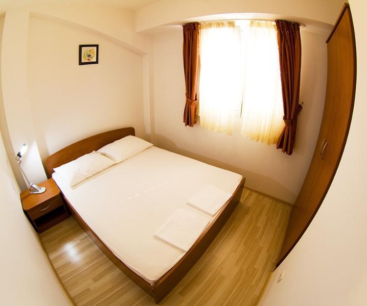 A11(6+2): bedroom