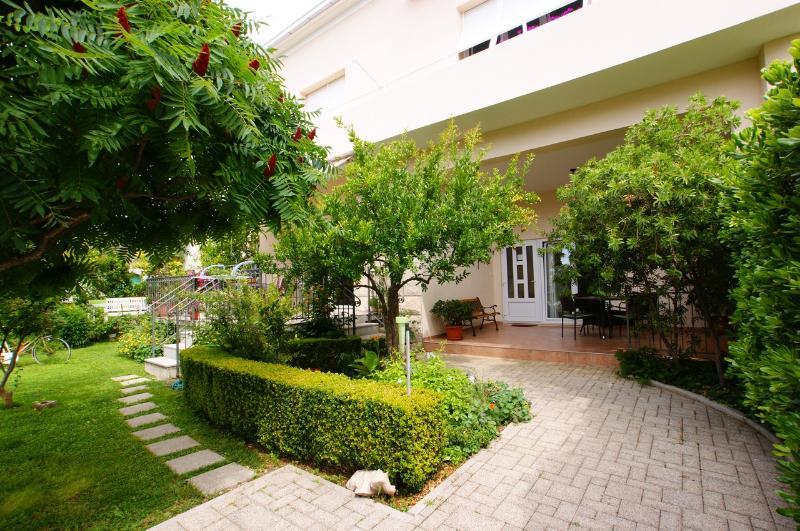 Apartman Radunić A(2+2), aluguéis de temporada em Kastela