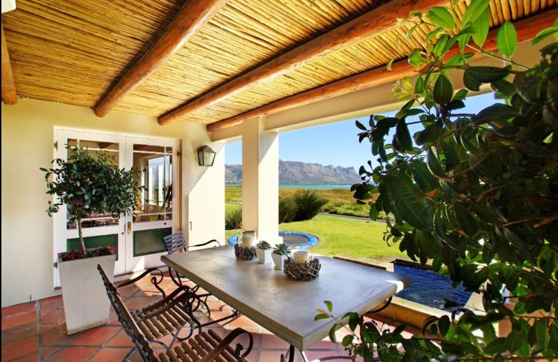 Strand Beach Lodge is situated in a security golf estate with uninterrupted mountain and see views.