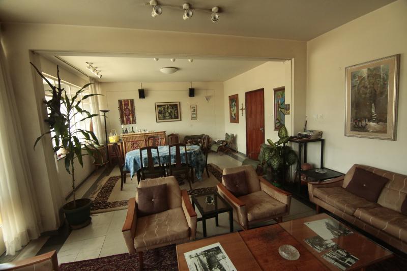 Fully Furnished, Center of Town, aluguéis de temporada em Addis Abeba