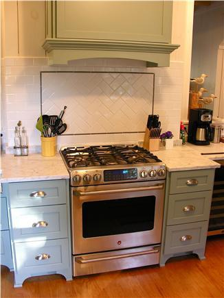 Gas range with 2 ovens