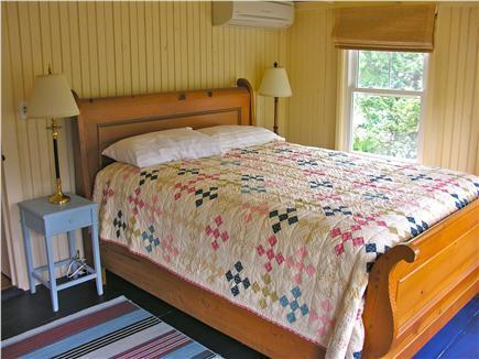 Guest bedroom 2 with queen sleigh bed