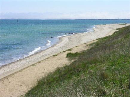 Solera is steps from the ocean and a 2 minute walk to Ink Well beach.