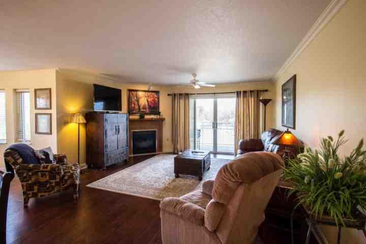 Living Room / Open Floor Plan