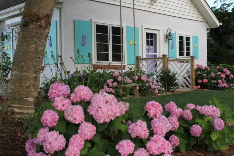 Private Beach Cottage on Historic James River, vacation rental in Smithfield