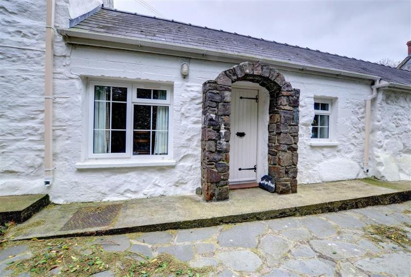 Bwthyn Bach is a cosy, single storey stone cottage dating back to the 18th century