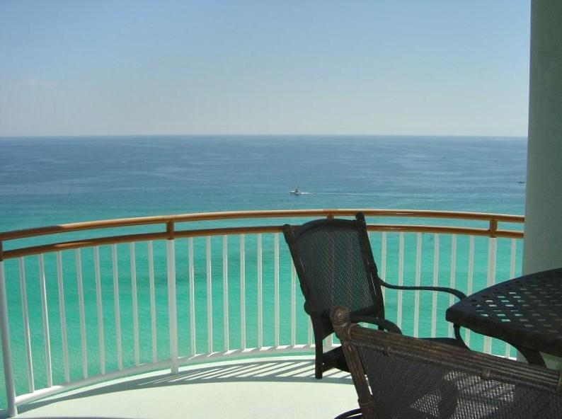 Navarre Beach Gulf Front 3 BR: Pet Friendly, Top Beach  Cleaned & Sanitized, holiday rental in Navarre