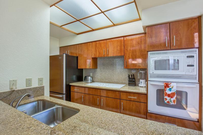 Kitchen with plenty of amenities