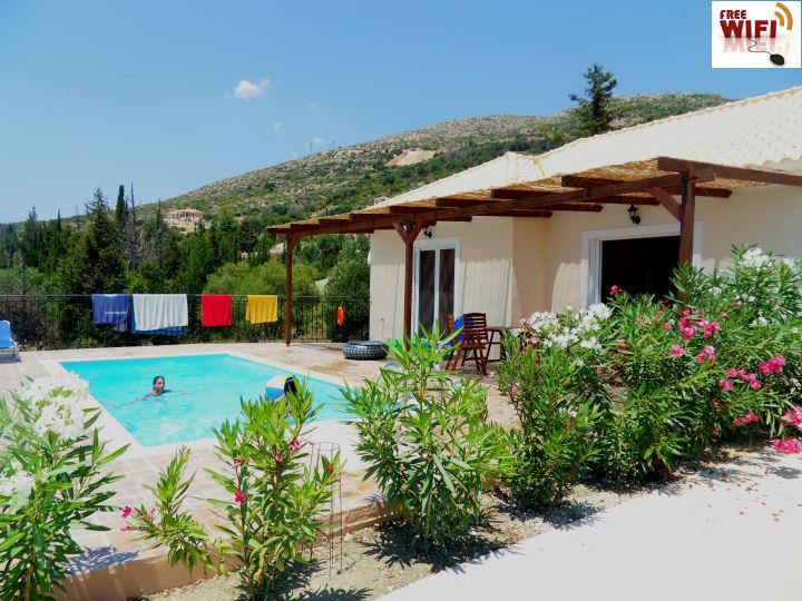 Villa Athena : private pool to relax in privacy, holiday rental in Skala
