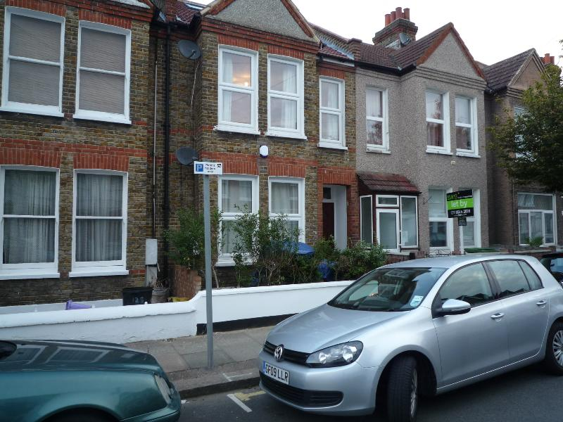 4 Bedroom house, 3 Bathrooms, 20 min. City center, holiday rental in Sutton